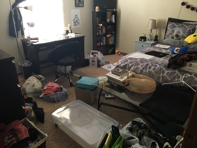 decluttering-bedroom-before